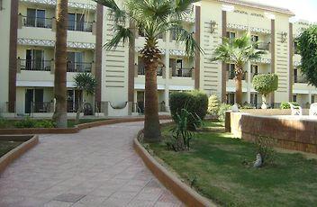 Cataract Pyramids Resort Cairo
